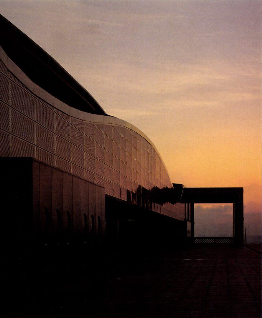 Sant Jordi Sports Hall / Arata Isozkai y Assoiados Espana
