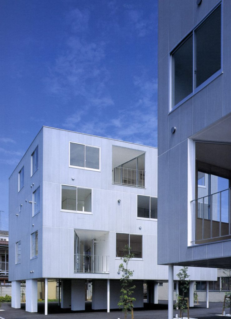 Apartment Building in Chofu / Yuki Ishiguro Architect and Associates