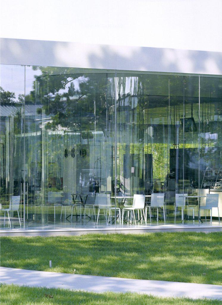 Glass Pavilion Toledo Museum of Art / Kazuyo Sejima + Ryue Nishizawa / SANAA