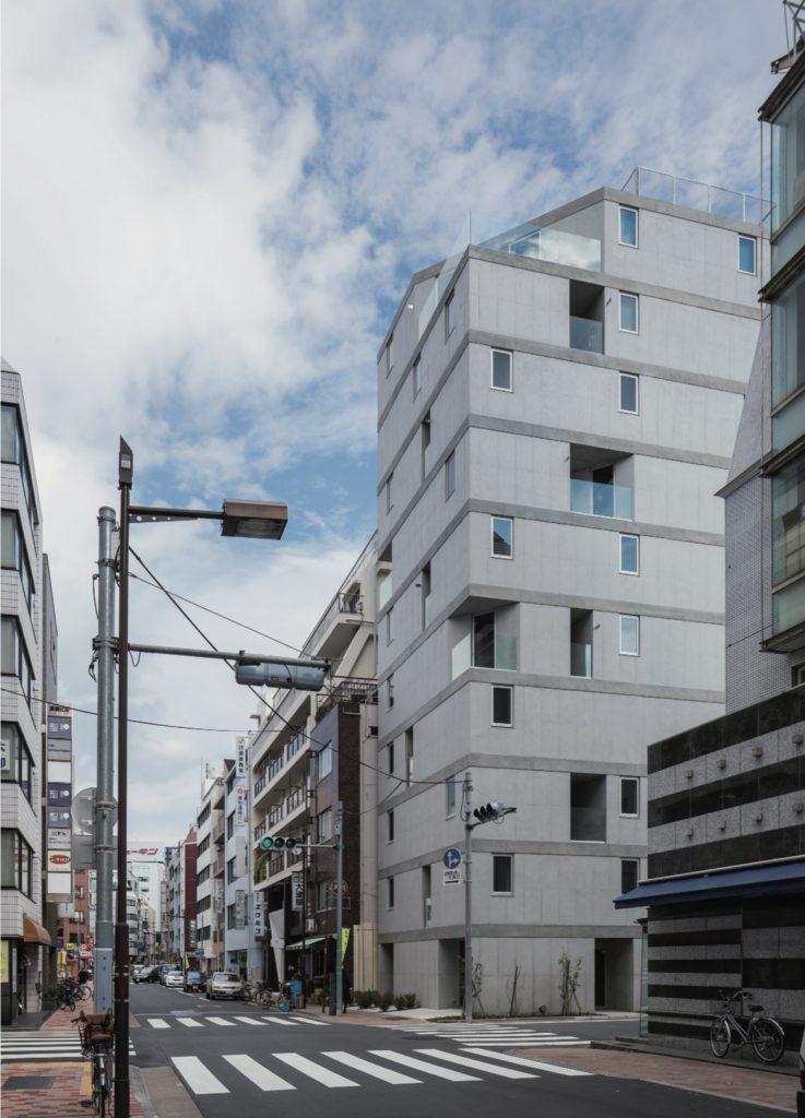Apartment in Okachimachi / Go Hasegawa & Associates