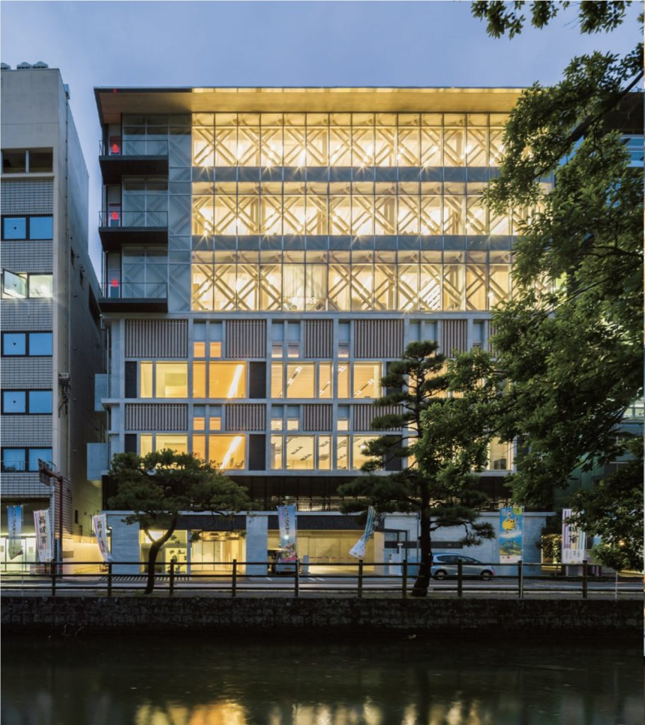 Kochiken Jitikaikan / Hosogi Architect & Associates