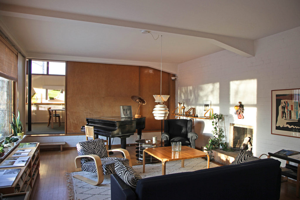 au2103_5_The Aalto House_1800